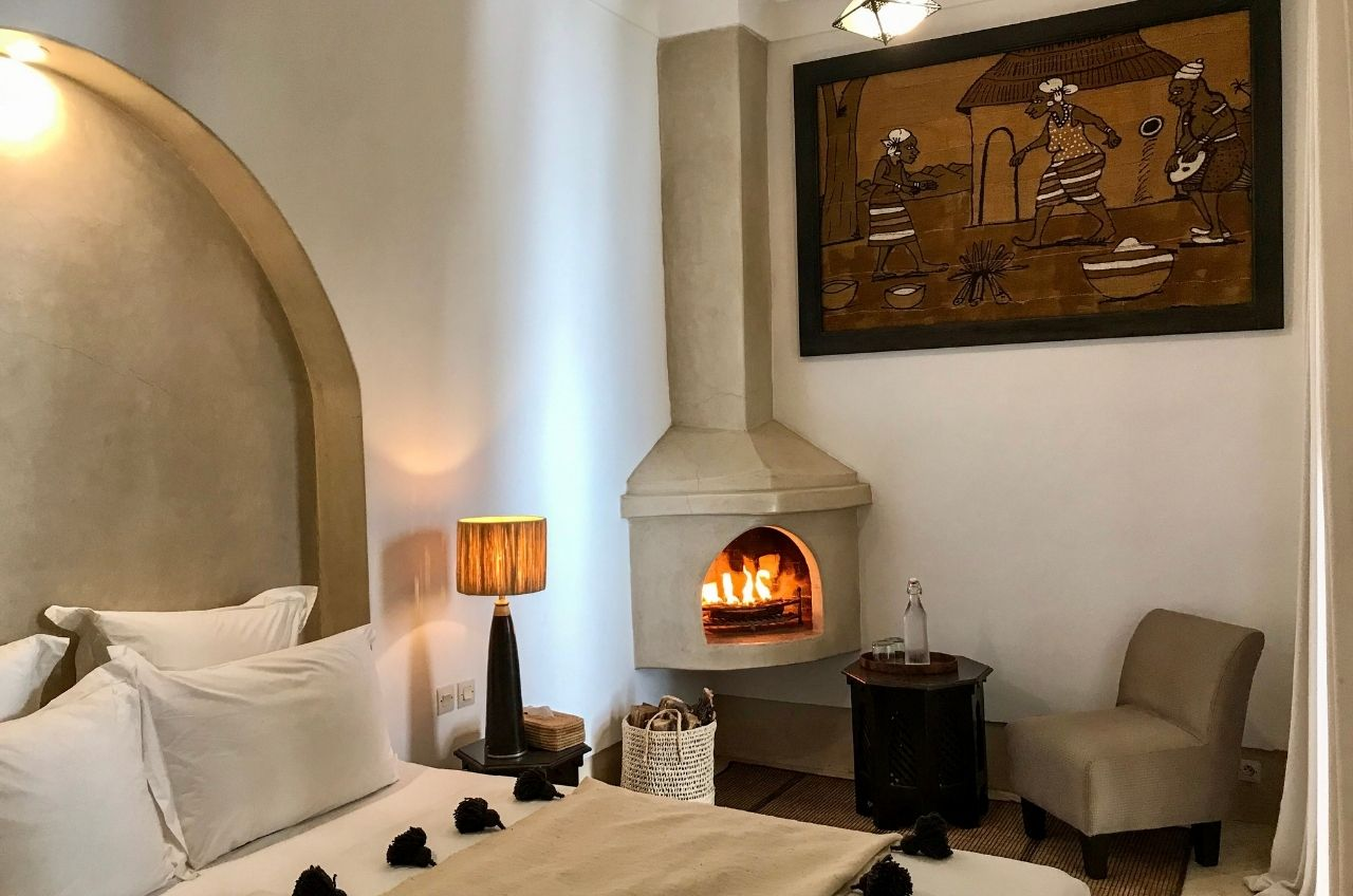 marrakesh riad bedroom logfire
